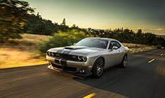 Parrilla negra de Dodge Challenger SRT 392 2016