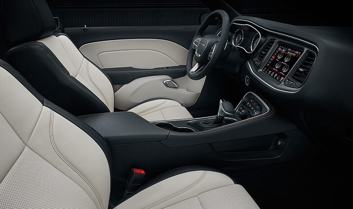 2016-dodge-challenger-vlp-interior-spaciousness