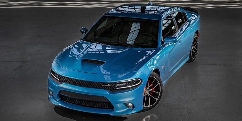 Vista frontal del Dodge Charger R/T Scat Pack 2016
