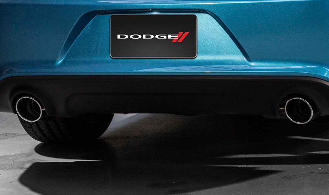 Escape doble del Dodge Charger R/T Scat Pack 2016