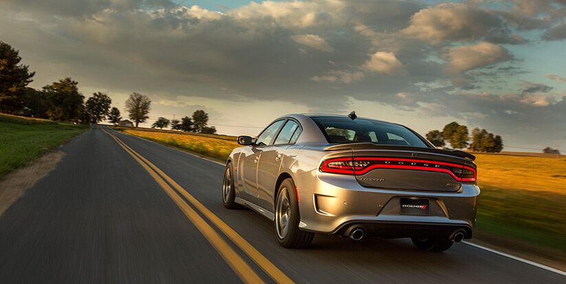 Vista trasera del Dodge Charger SRT 392 2016