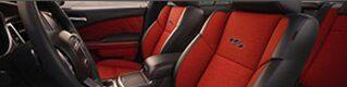 Dodge Charger: características del interior