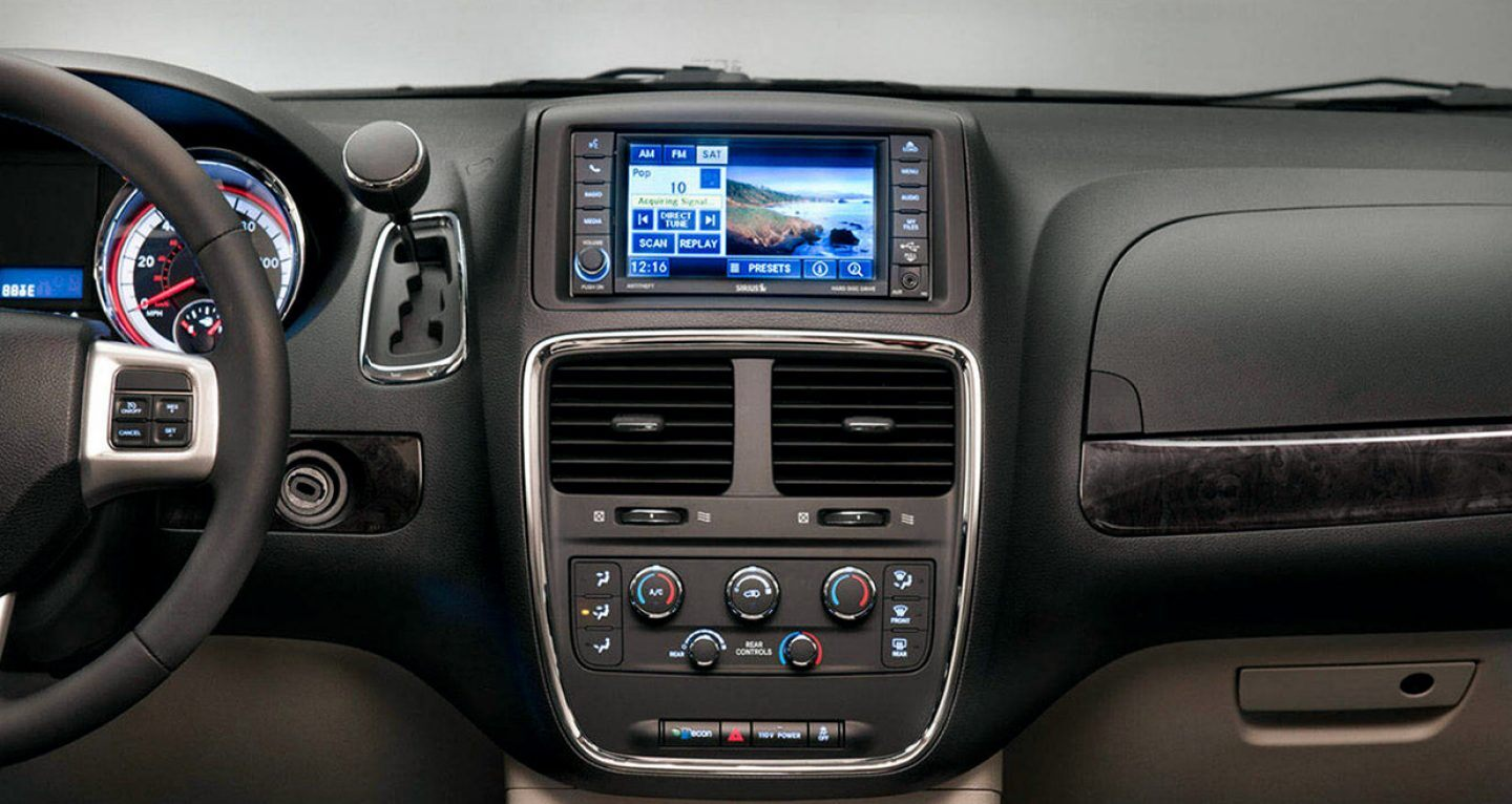 2019-dodge-grandcaravan-gallery-interior-5